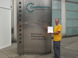 Handing in of the Knowle petition to Secretary of State